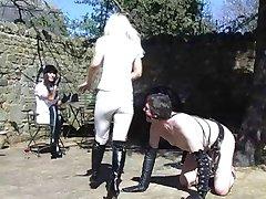 DEUX HOT-Britannique, de l'Équitation, les maîtresses de former leurs poney