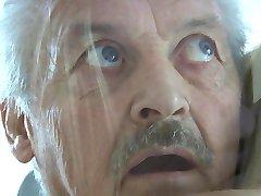 Grand-père Gustavo baisée par son idiot de ménage