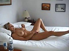 ar lielām krūtīm sieva fucked par nekustamā mājās