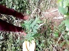 desi - meisje geneukt in het bos deel 2