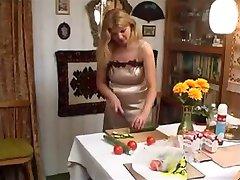रूसी परिपक्व माँ जवान लड़के के साथ सींग का बना हुआ लड़की - Rayra