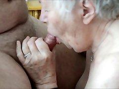 Старая бабушка любит секс