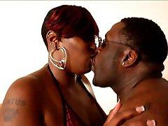 Un grand black couple