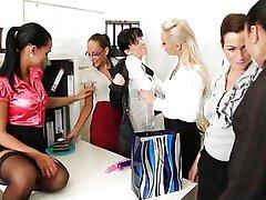 Office Lesbische Party