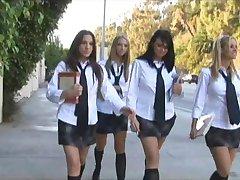 Okul Kız Orgy