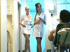 3 yönlü hemşire handjob