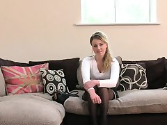 Britanski blondinka v nogavice muco zajebal na vlivanje