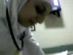 arabisch verpleegster zuigt pik