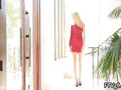 Hot blonde babe goes crazy prendre son part2