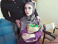 Arabe porno et arabe femme de ménage Nous ne sommes Pas
