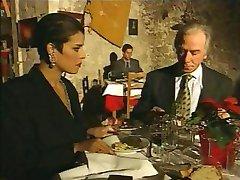 सुरुचिपूर्ण इतालवी परिपक्व युगल धोखा दे पति पर रेस्तरां