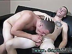 Οι γκέι που παίρνει πίπα και καταπίνει σπέρμα