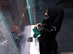 Arabische lesbische kantoor Wanhopige Arabische Vrouw