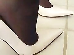 SHOEJOB SHOEJOB SHOEJOB स्टुअर्ट उच्च ऊँची एड़ी के जूते और मोज़ा