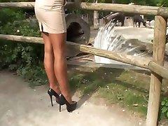 Здоровая - Тамиа чулки МИТ унд высокие каблуки насосы им