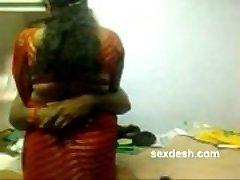Romantische Dharmapuri Sivaraj met een mollige Tante Tamil