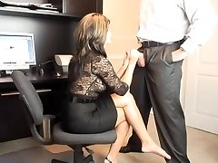 Hot MILF Office Orale