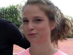 צעירה חמודה בני נוער הארדקור באני דופק על אולימפיה