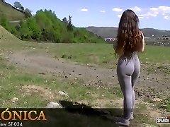 Hot teen חובב מראה לה cameltoe חופש