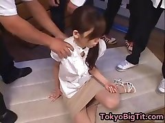 Asiatiske MiLF Rina Tomoa Blir Sprayet part2