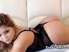 Chubby Chick Cute Shave Pussy Fingering