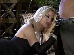 Симпатичная блондинка Алексис Техас