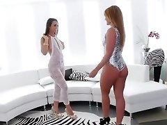 Incredible Rimming, Brunette sex pinch