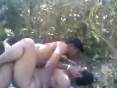 Northindian prsata teta ебутся s muškarcem