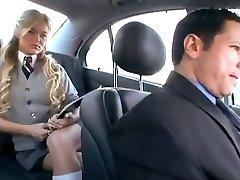 Amerykańska uczennica oszukuje ją facet z rosyjskiego