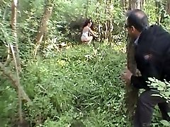 LAETITIA ATOMIX fransk MILF i skogen