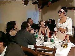 Le meilleurレストランはイタリア語の能力を買われ