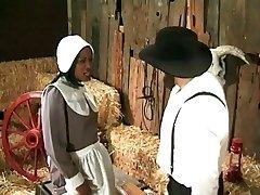 Rolnik-amiszów annalizes czarnej pokojówki