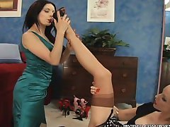SEXY HOTTIES IN STOCKINGS FUCK EACH OTHER