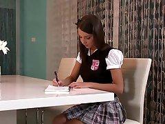 Esmer Öğrenci Kötü Not İçin Yapar.mp4