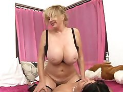 Patty Plenty - Hot Busty Milf