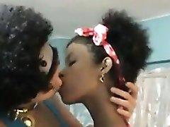 Amateur Latin Lesbians