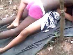 温泉インドの女の子た屋外待の彼女のBF-II