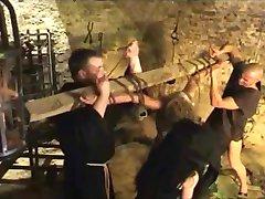 7 işkence cadı 7