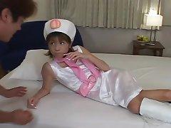 Asian Cutie Avec un Butin de Tsubo