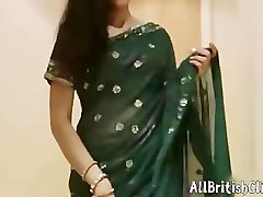 Très Sexy Indian Aunty En Saree Hindi Audio britanniques euro brit européen éjaculations avaler