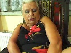 الجدة دومينيكا