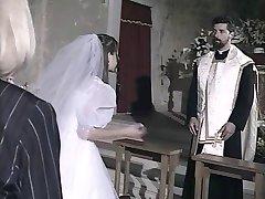 Hile yaparken evleniyor