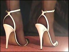 ऊँची एड़ी के जूते और अधिक