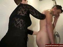 Feo Holandés Abuela Se Folla Al chica De La Oficina