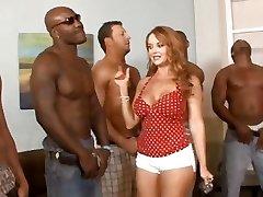 5 interracial chicos de formación, de modo que el ama de casa de Janet Mason puede elegir la mejor