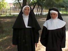Jennifer Toth - la bonne et soeur les mecano