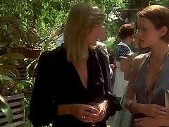 Emmanuelle (1974) ... (Película Completa) F70