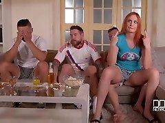 HandsonHardcore-3 Mejores amigos dp cachonda novia celosa hasta que ella se tira un pedo