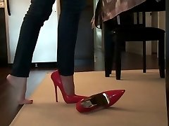 Teasing and bending red 6 inch stilettos heels pumps