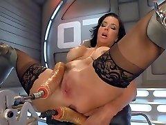 VA fuck by machine and squirt